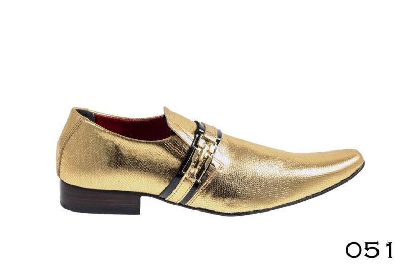Estampado crocodilo dourado com brilho e verniz preto