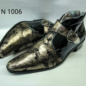 Botas dourado com preto verniz