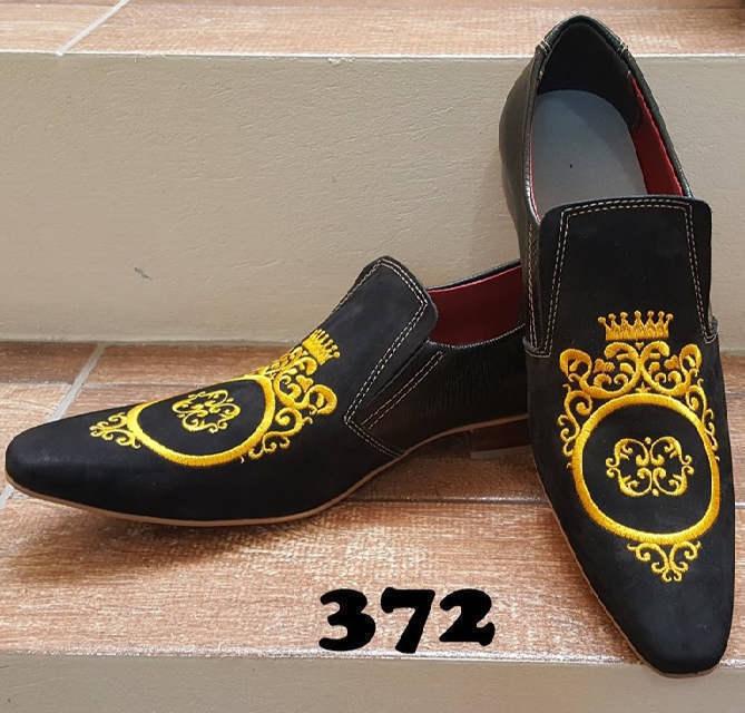 Sapatos sócias lezard preto e nobuck preto bordado