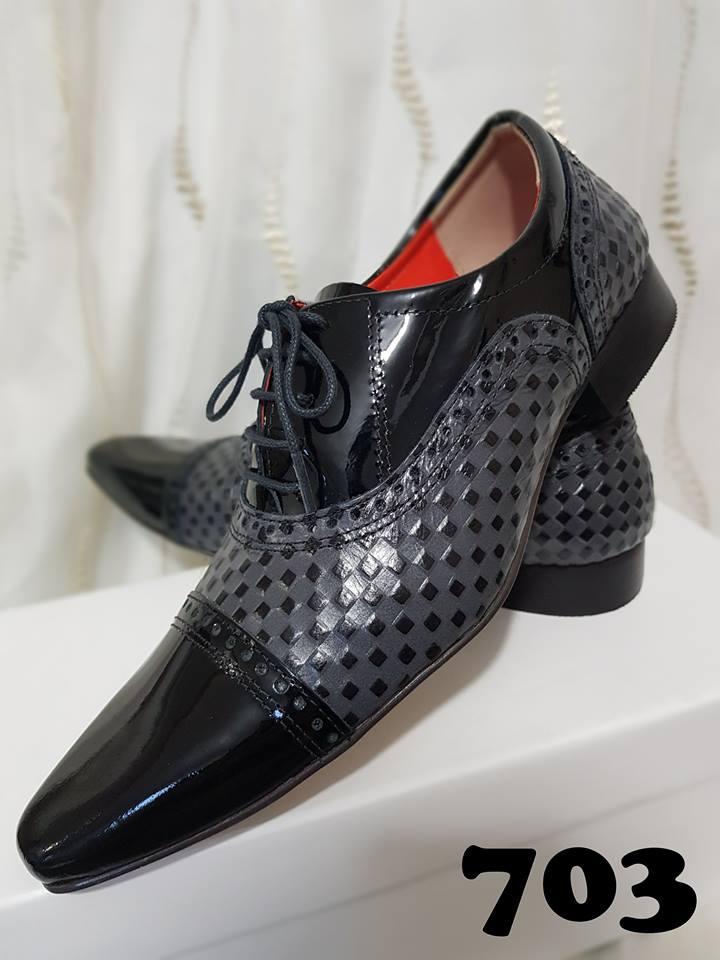 Sapatos sociais com cadarço verniz preto e trice cinza 703