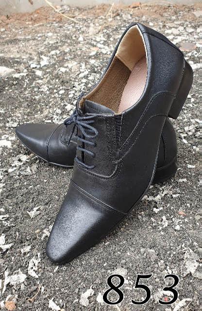 Sapatos sociais com cadarço em couro escovado preto 853