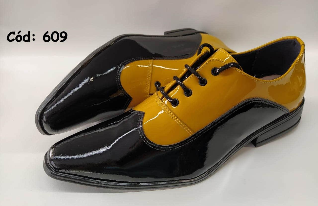Sapatos couro com cadarços preto e amarelo dourado verniz ANZ609
