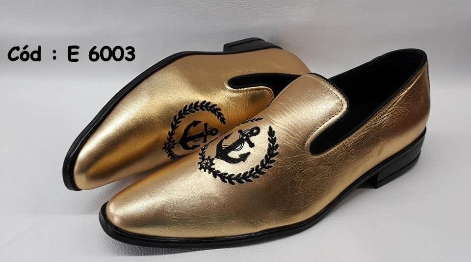 E6003 sapatos em couro dourado com bordado preto