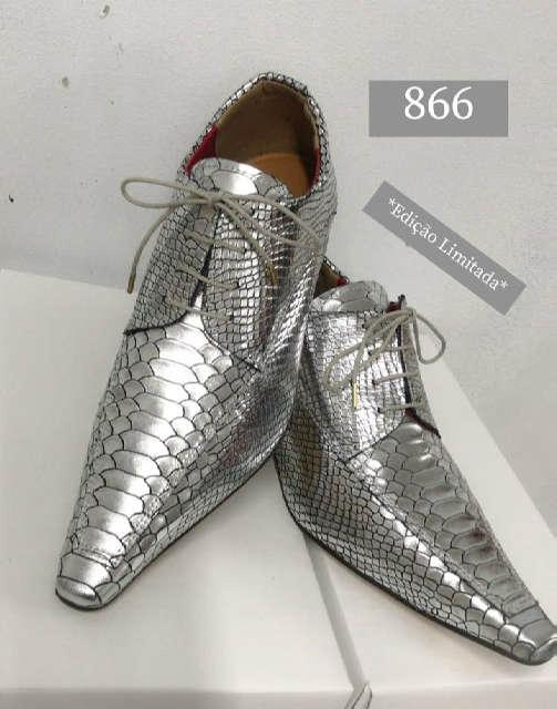Sapatos sociais com cadarço em couro croco prata EDIÇÃO LIMITADO