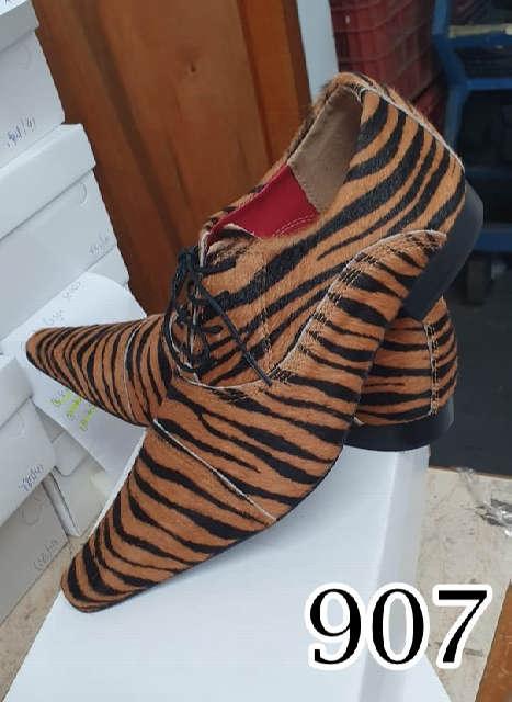 Sapatos sociais sem cadarço em couro onça tigre 907