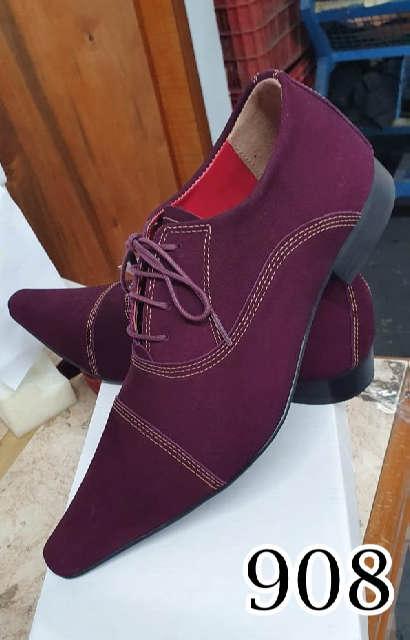 Sapatos sociais com cadarço em nobuck bordo 908