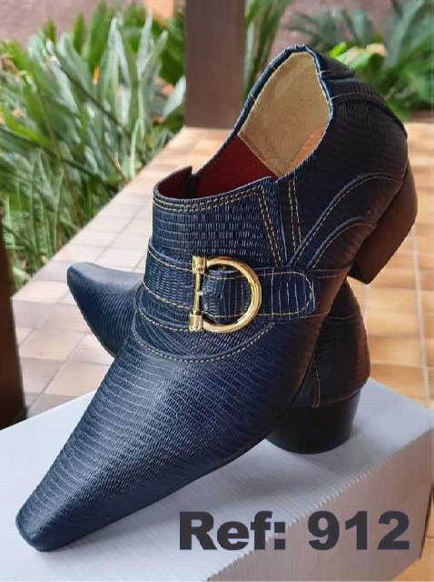 Sapatos sociais sem cadarço em couro lesard azul 912