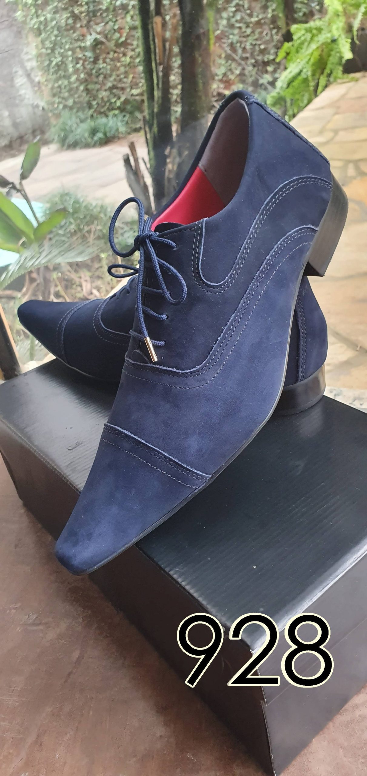 Sapatos sociais com cadarço em couro nobuck azul