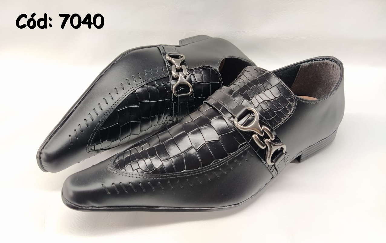 Sapatos sociais em couro preto croco e preto verniz