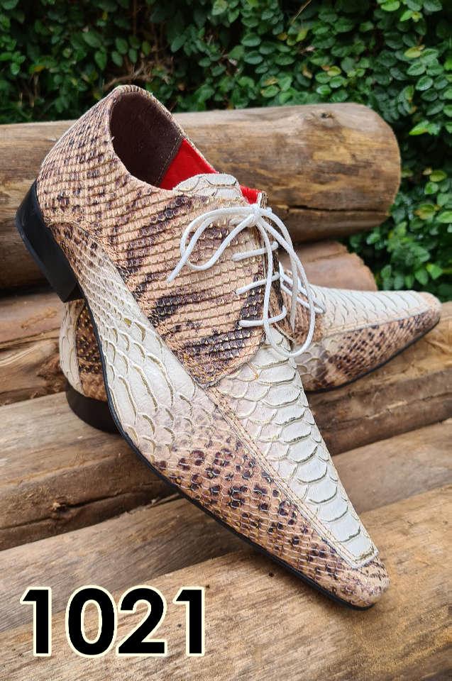 Sapatos sociais com cadarço em couro estilo cobra marrom 1021