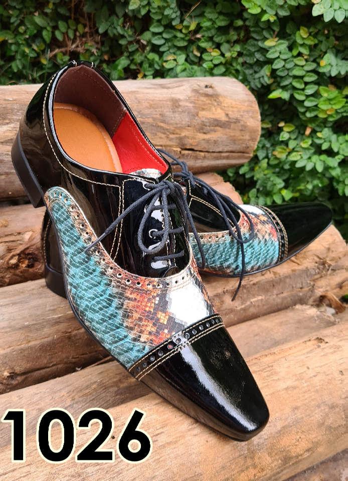 Sapatos sociais com cadarço em couro estilo verniz preto e cobra verde 1026