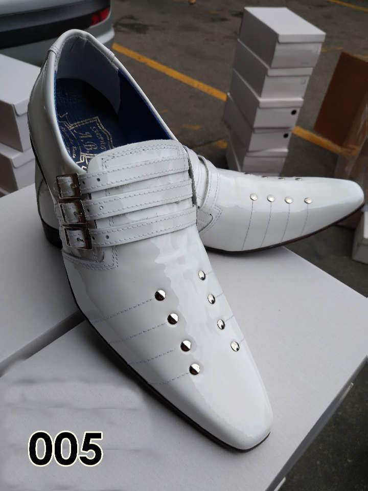 Sapatos sociais sem cadarço em couro verniz branco 005