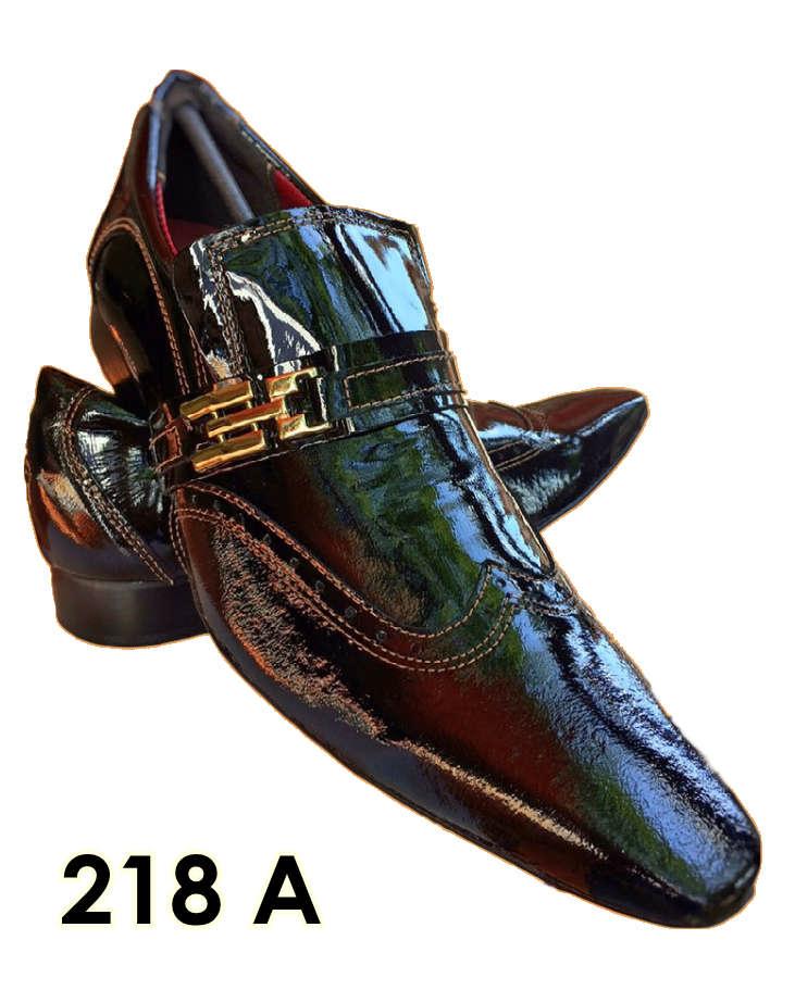 Sapatos sociais sem cadarço em couro cromo preto