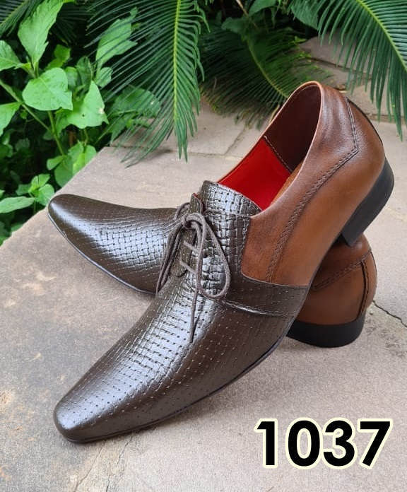 Sapatos sociais com cadarço em couro marrom escovado e marrom trice