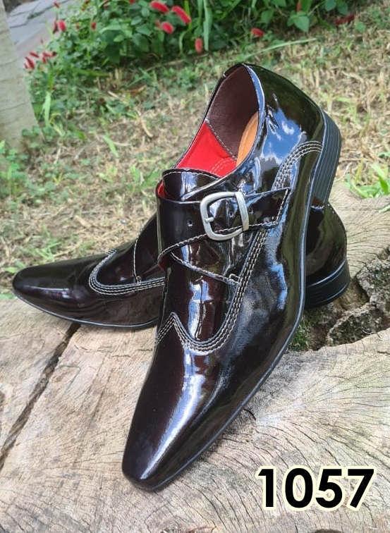 Sapatos monge sociais sem cadarço em couro marrom verniz 1057