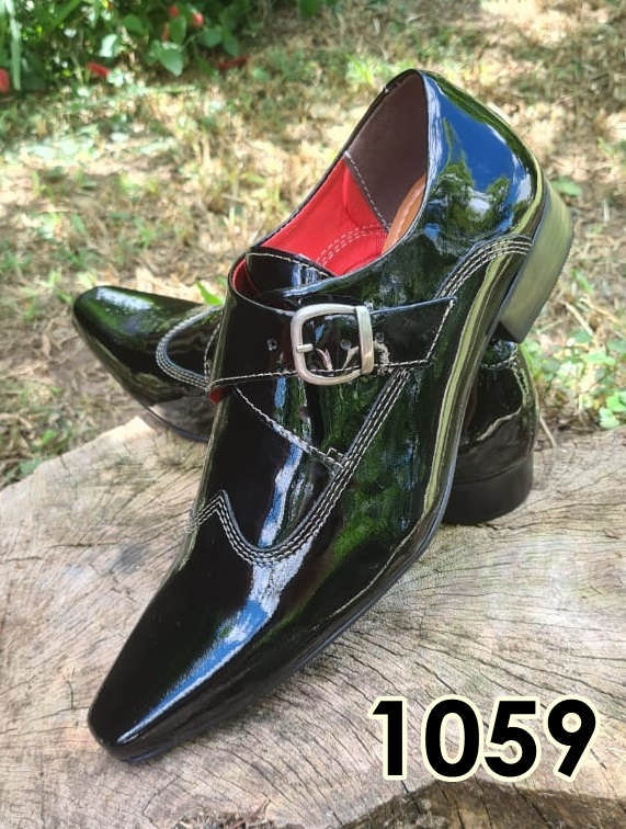 Sapatos monge sociais sem cadarço em couro preto verniz 1059