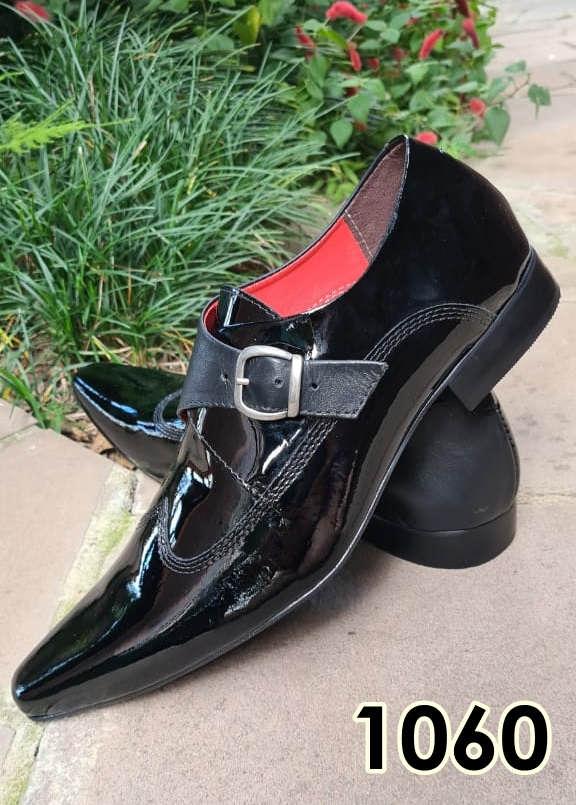 Sapatos monge sociais sem cadarço em couro verniz preto e cromo preto 1060