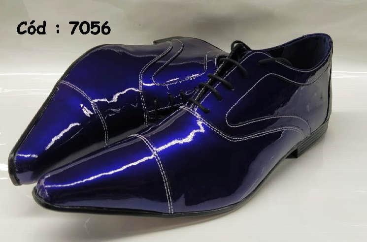 Sapatos com cadarços em couro verniz azul