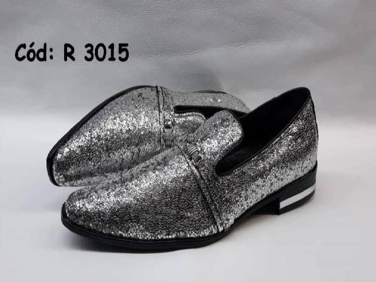 Sapatos sem cadarços em couro glitter prata r3015