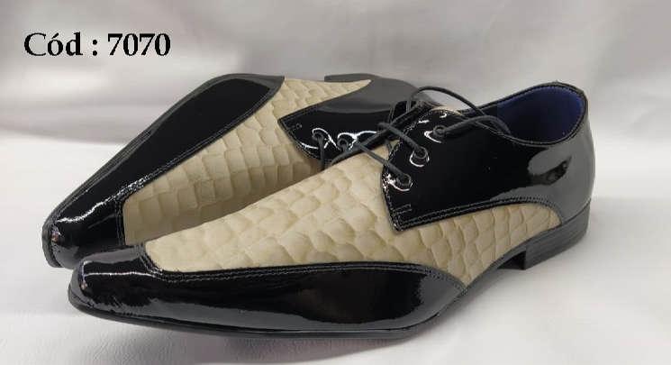 Sapatos com cadarços em couro preto com creme