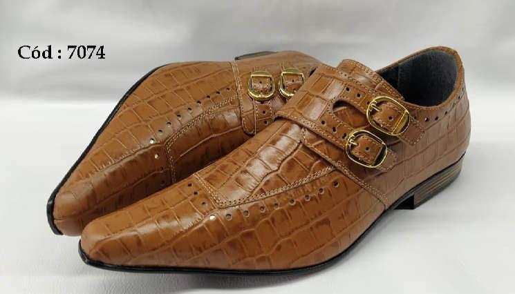 Sapatos sociais monge em couro marrom estilo croco anz7074