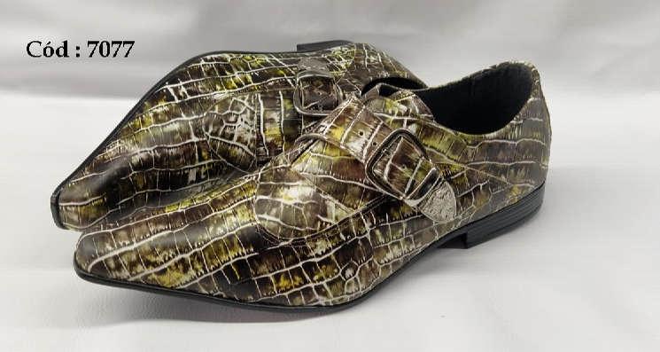 Sapatos sociais em couro verde textura anz7077