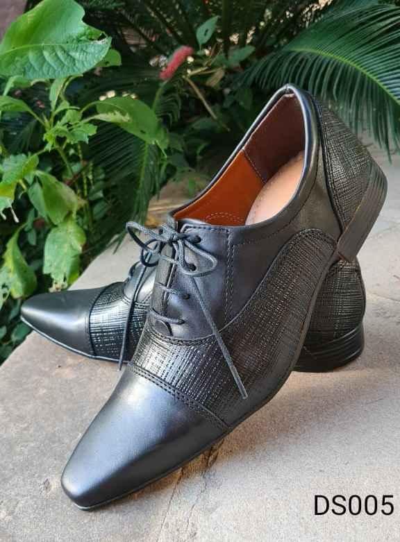 Sapatos sociais com cadarço em couro fosco preto DS005