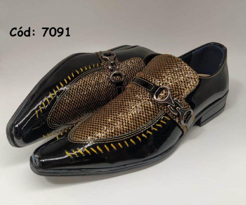 Sapatos sociais em couro verniz preto com pano dourado anz7091